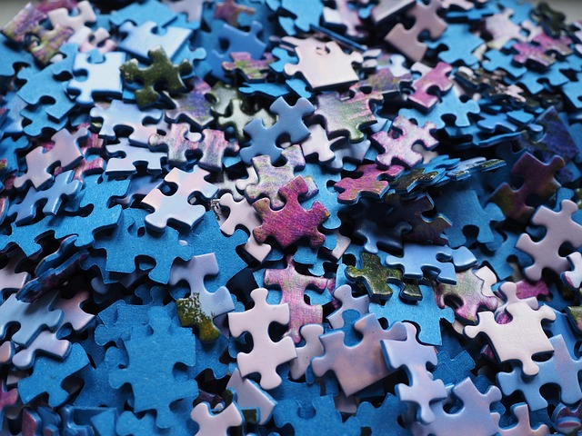 pieces-of-the-puzzle-592780_640
