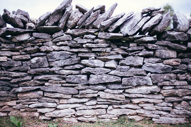 wall-570109_640
